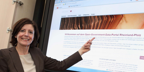 Ministerpräsidentin Malu Dreyer bei der Vorstellung des Open-Government-Data-Portals